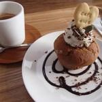 CAFE NICO - ケーキセット(700円)※ケーキはダブルチョコレートマフィン