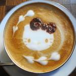 ハローキティ カフェレストラン - カフェラテはキティーちゃんかダニエル君から選べます♪