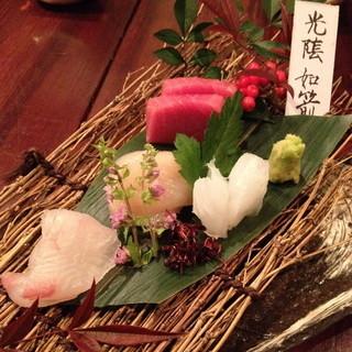 和食 貴山 - 本日のお造り あおりいか・帆立・天然平目・本鮪2013年12月