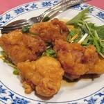 23356040 - 鶏肉の唐揚げ甘酢ソース掛け