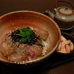 いちし - 外宮前名物御饌丼 鯛の伊勢茶丼