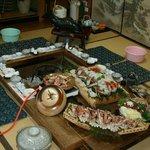 木船 - 囲炉裏やケヤキ火鉢を囲んでお食事をして頂いています。