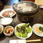 焼肉酒房燔家 - 牛ビッグハラミ定食:950円