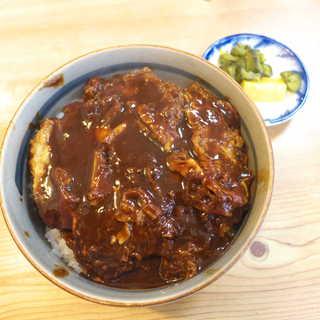 岩正 - 味噌カツ丼(¥550)。この雄雄しいルックスを見よ!