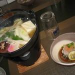 酒膳 虎屋 - たらちり(後でうどん投入)と鱈の白子ポン酢