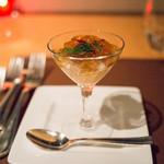 スターロード - 帆立貝とタラバ蟹のカクテルとキャロットムース キャビア飾り