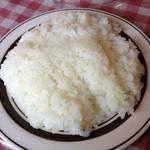 ジェイムスキッチン - ジェイムスキッチンのごはんは、ぎゅうぎゅうに押されてる。これで普通サイズ。(13.12)