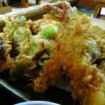 定食 丸仲 - 天ぷら定食もボリューム満点