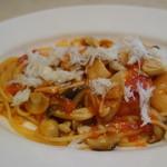 セントベーネ - 海老・きのことカニのトマトソーススパゲティー