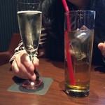 点 - 2013/12 スパークリングワイン 300円、ドリンク (ジャスミン茶)100円