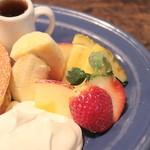 juen - 季節のフルーツはリンゴ・イチゴ・バナナ・パイン '13 11月下旬