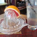 23380268 - リンゴ酢サワーの100%グレープフルーツ果汁絞り(通常¥630)