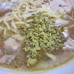 ラーメン二郎 - カレーの味はあまり強くなくて、カレー風味って感じでしたね。