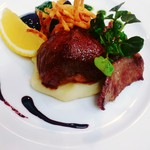 ヒツジ堂 - 料理写真:ディナーメニューの羊のグリル。月齢や部位は日替わりの為、是非食べ比べを!