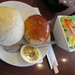 Gurumefuugetsu - パンとサラダのセット