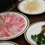 天香回味 - 米澤牛、アガリスク茸、サメのコラーゲン