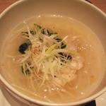 西安健菜キッチン - 生姜たっぷり鶏フォー:フォーが太くてムチムチしてて美味しい