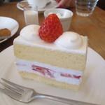 プレリアル成城 - ショートケーキと珈琲750円