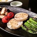 鳥鳥 - 炭火の焼き野菜いろいろ