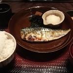 大戸屋 - 料理写真:鯖の炭火焼き定食