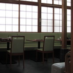 コジマヤ本店 - テーブル席