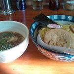まるとも - 重ね魚介つけ麺(790円)