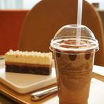 リンツ ショコラ カフェ - アイスチョコレートドリンク(ミルク)S