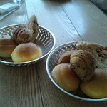 2341369 - 食べ放題のパン