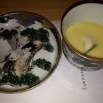 23410139 - 牡蠣コーンスープ(皿がきれい)
