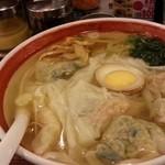 広州市場 - ワンタン麺て、麺も入ってるのね・・・満腹w
