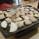 韓国家庭料理 ヘチョン - 上サムギョプサル