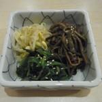 韓国家庭料理 ヘチョン - ナムル盛合せ