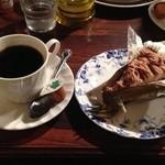王様とストロベリー - ムサコパスタセットのケーキとドリンク
