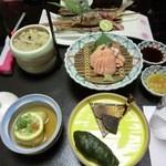 十津川温泉湖泉閣吉乃屋 - 料理写真:夕食