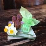 木空人 - 【新春デザート:春の息吹】店主コメント「手作りの生八橋とホロッとした口どけのクッキー」