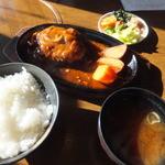 しゃぶ太郎 - ジャンボハンバーグ¥650