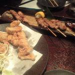 信天翁 - イカゲソ揚げと串焼き