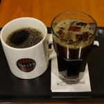 タリーズコーヒー - 左:本日のコーヒー トール340円 右:アイスコーヒー トール340円