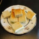 アミギャラリーアンドカフェ - ハムとキュウリの焼きサンド
