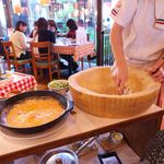ピッツェリア・マリノ - パルメカンターレコース(1人¥2080)。パルミジャーノチーズを中から削って…