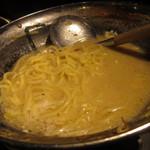 九州炎 - もつ鍋の〆はラーメン