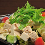 焼鳥とり萬 - 豆腐サラダ