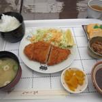 天狗 - 料理写真:私の注文したチキンカツ定食ミニ500円です。