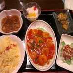 酔樓本館 - エビチリソース定食¥780