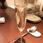 小花 - シャンパン