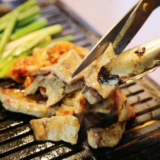 お客様の目の前で調理☆一番美味しい食べ方を提案致します!!!