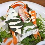イルポッジョ - 野菜が新鮮でシャキシャキ感もありドレッシングが美味しくしています