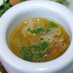 イルポッジョ - スープはヘルシーな味でお替わりしたい美味しさ