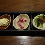 旨唐揚げと居酒メシ ミライザカ - 三種の彩り前菜:367円