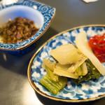 とんかつ岩松 - 筋子、南蛮味噌漬